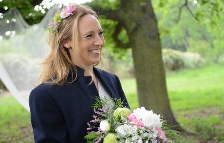 Freie Trauung Düsseldorf - Glückliche Braut